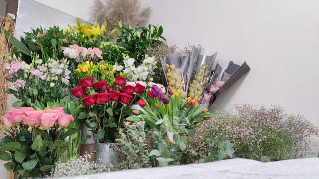 kvetinarstvo nezabudka,rozne rezane kvety vo vazach